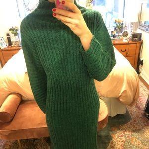 Dresses & Skirts - Vintage green mock neck sweater dress